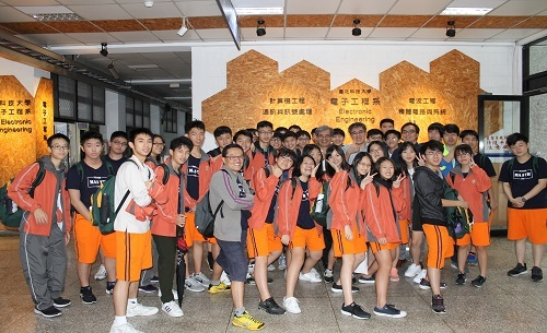 Taipei Municipal Nanhu Senior High School teachers and students Come to Visit《2018.10.19》
